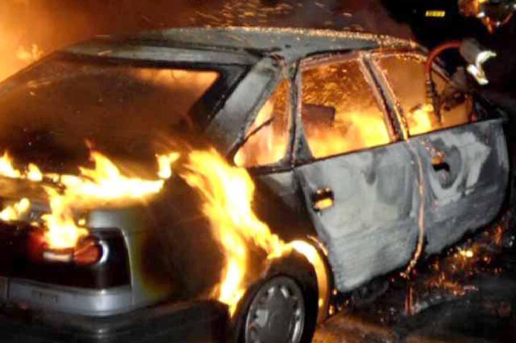 На Тернопільщині згоріли два автомобілі   Терноград