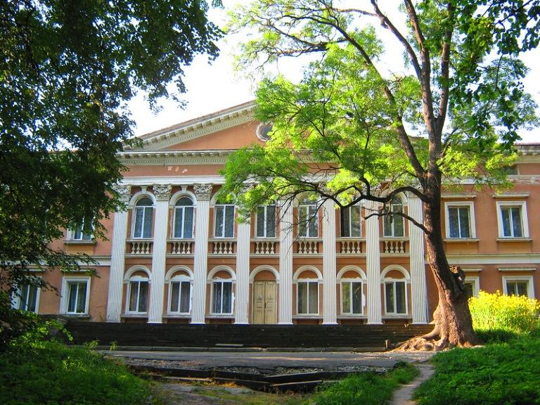 Палац Реїв Микулинці