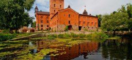 Де відчути себе королем: 13 замків-готелів України
