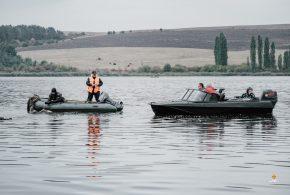 <strong>На Івачівському ставі перекинувся човен – одна людина загинула (ФОТО)</strong>