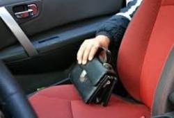 крадіжка з салону авто