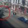 У центрі Тернополя таксист на великій швидкості ледь не збив на переході маму з дитиною (ВІДЕО)