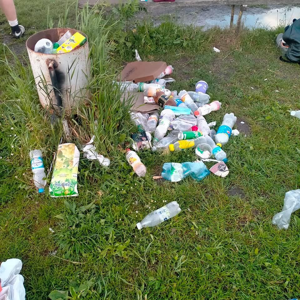 Почаїв, смітник, стадіон