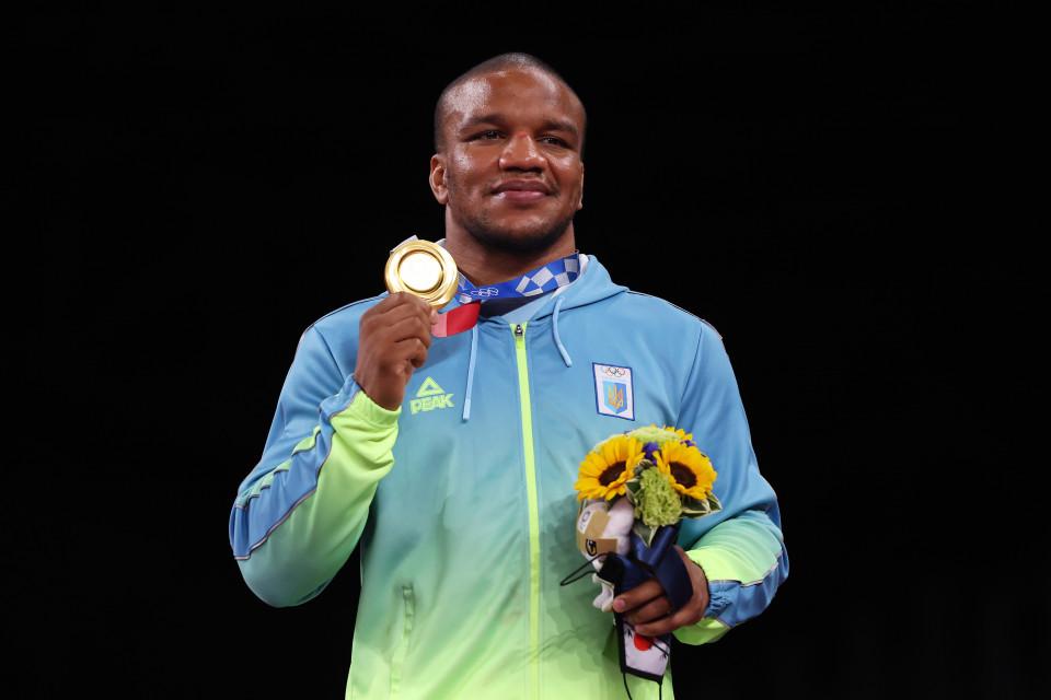 Жан Беленюк, золота медаль