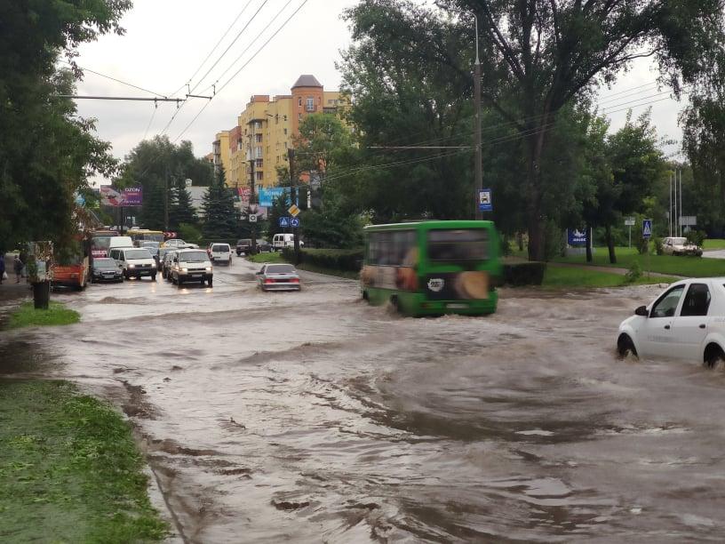 потоп у Тернополі після дощу